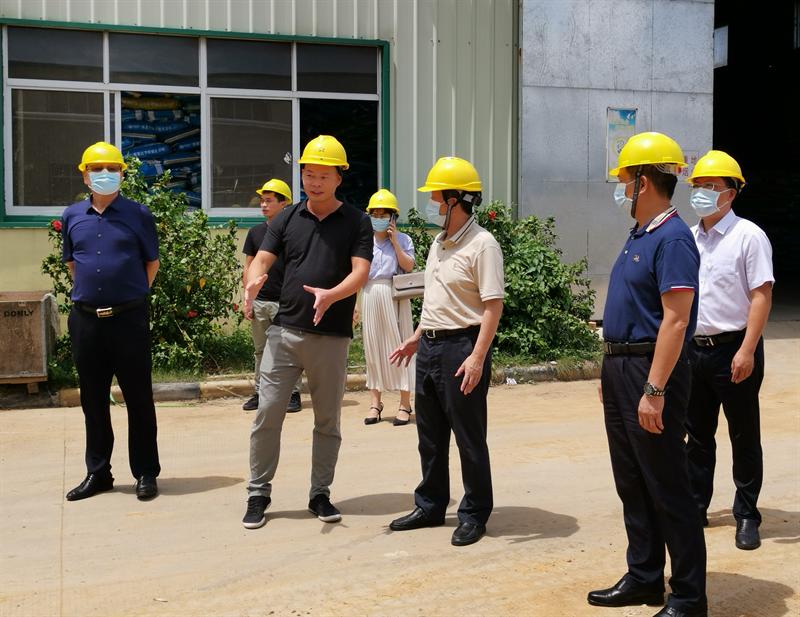 湛江市文广旅体局积极协助市领导开展定点服务企业活动