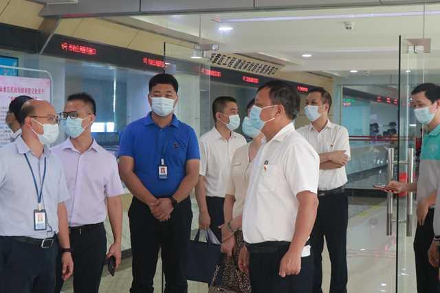 湛江市人民政府行政服务中心到麻章区行政服务中心开展调研活动