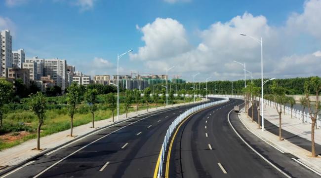 遂溪縣城濱河北路竣工通車 助力城市擴容提質增效