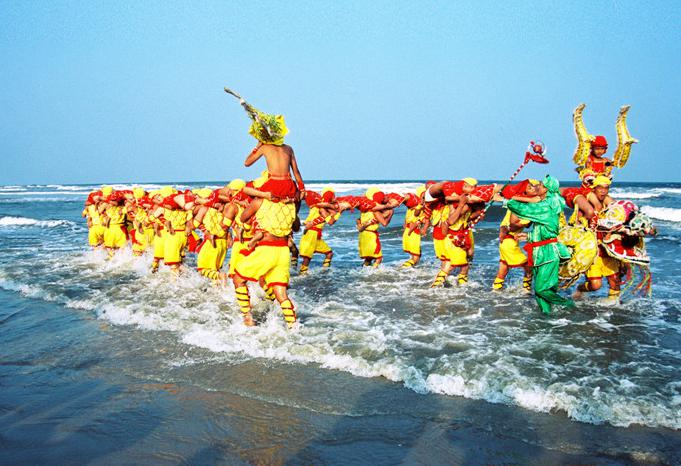国家级非物质文化遗产——东海岛人龙舞